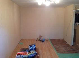 Ремонт комнаты (стены и пол)