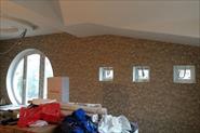 Поклейка обоев в загородном доме. Комнаты сложной конфигурации.
