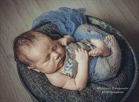 Новорожденные и младенцы