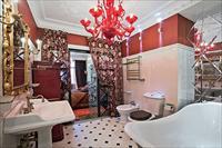 Выбор интерьера ванной ярких цветов