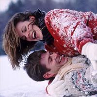 Фотосессия влюблённых зимой